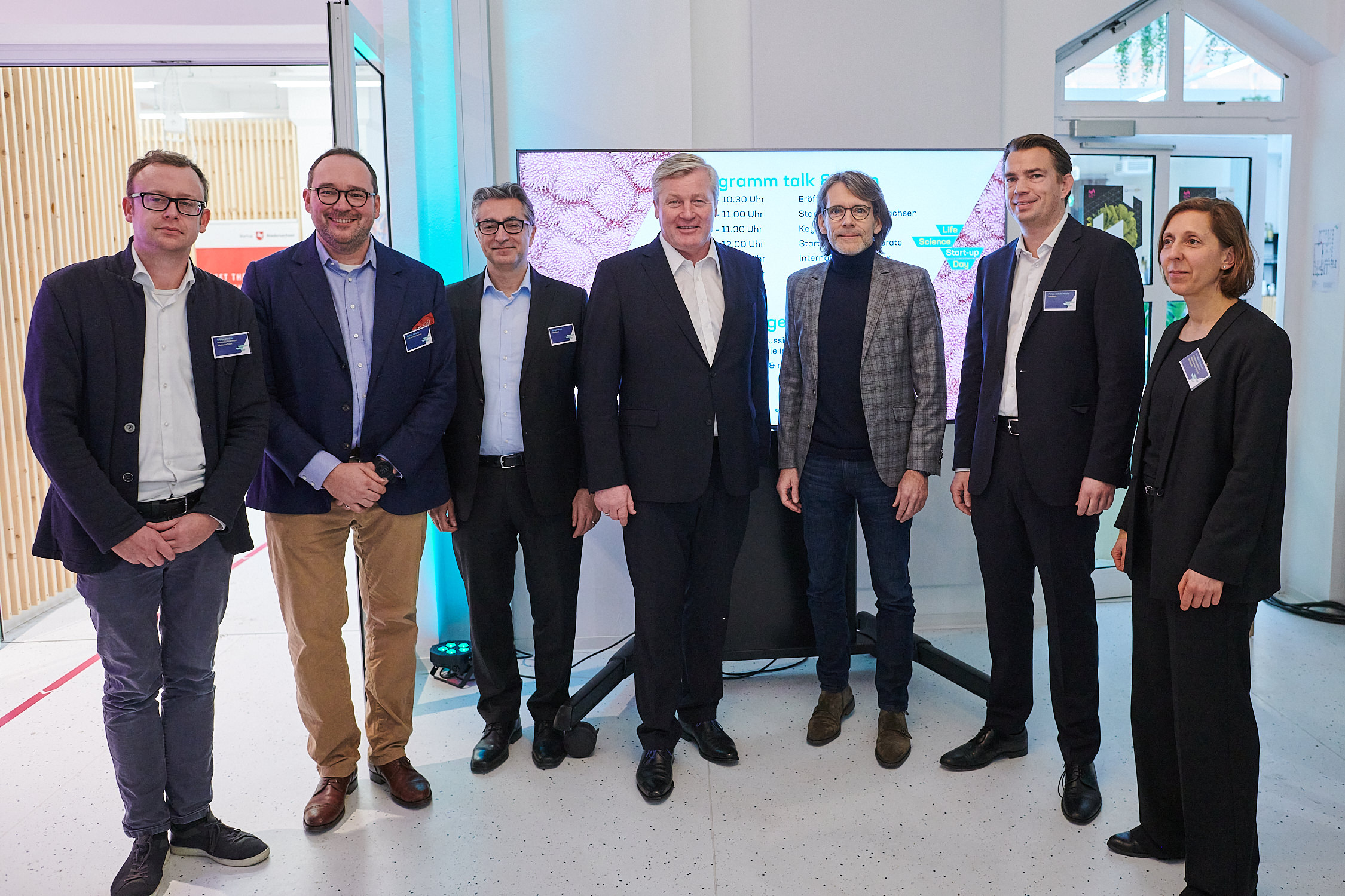 Life Science Startup Day 2020 Gruppenbild mit Althusmann, Partnern und Organisatoren